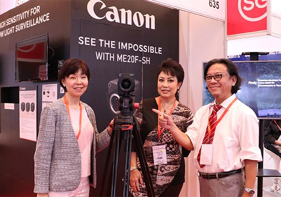 Canon ME20F-SH Kamera Multifungsi dengan Tingkat ISO 4.000.000
