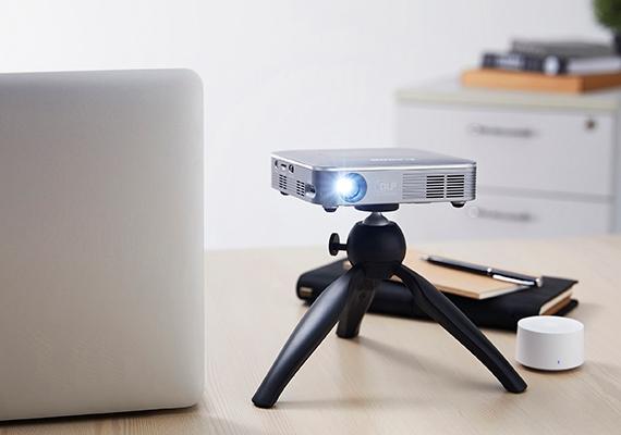 Proyektor Nirkabel Mini Canon MP250 untuk Kebutuhan Pekerjaan dan Hiburan di Mana Pun
